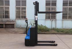 HH1216 elektrický stohovač